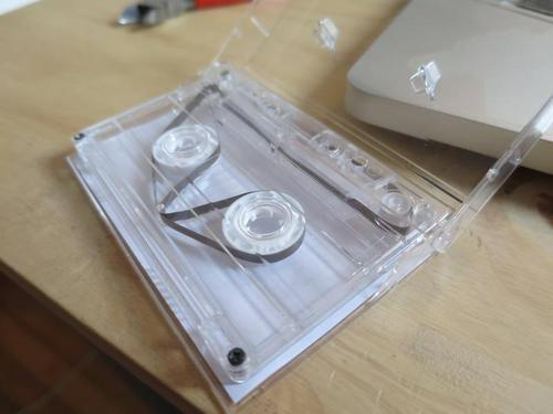 A looped cassette