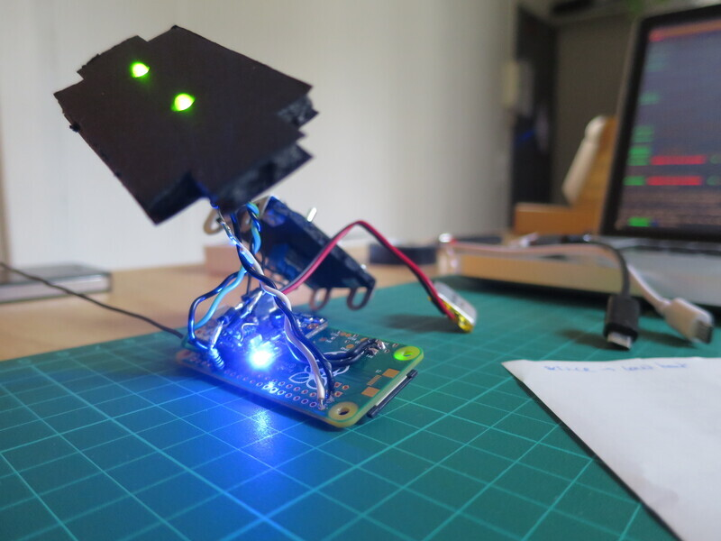 Second prototype with boot sequence LEDs